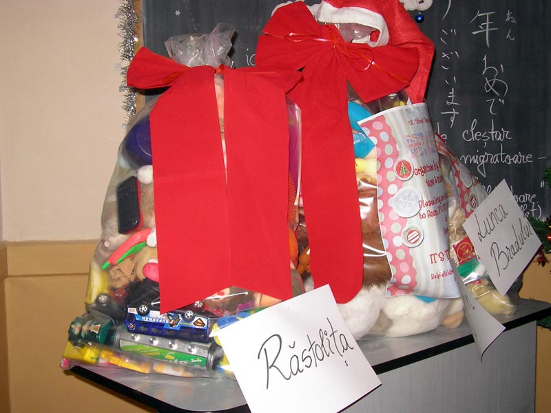 "Gifts, Brit Club, Christmas, ""Unirea"" National High School"