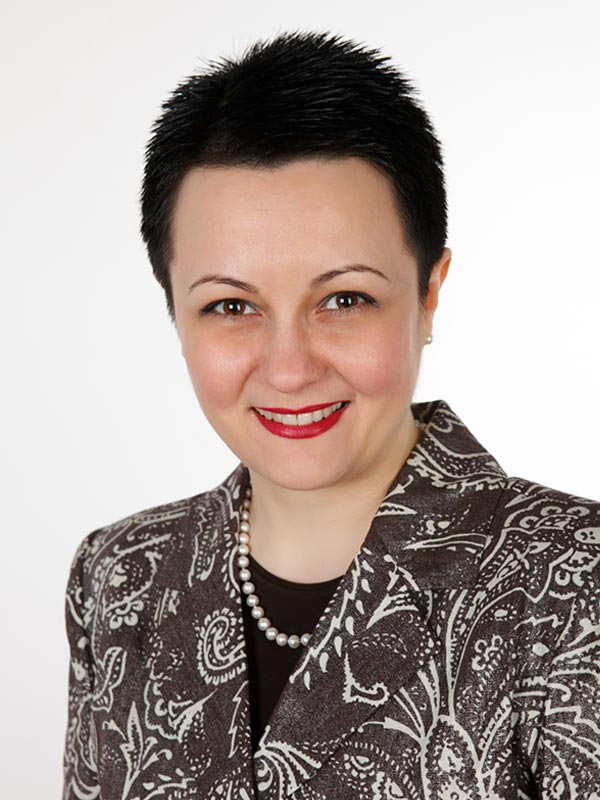 Dr. Năznean Andreea Romana, English language